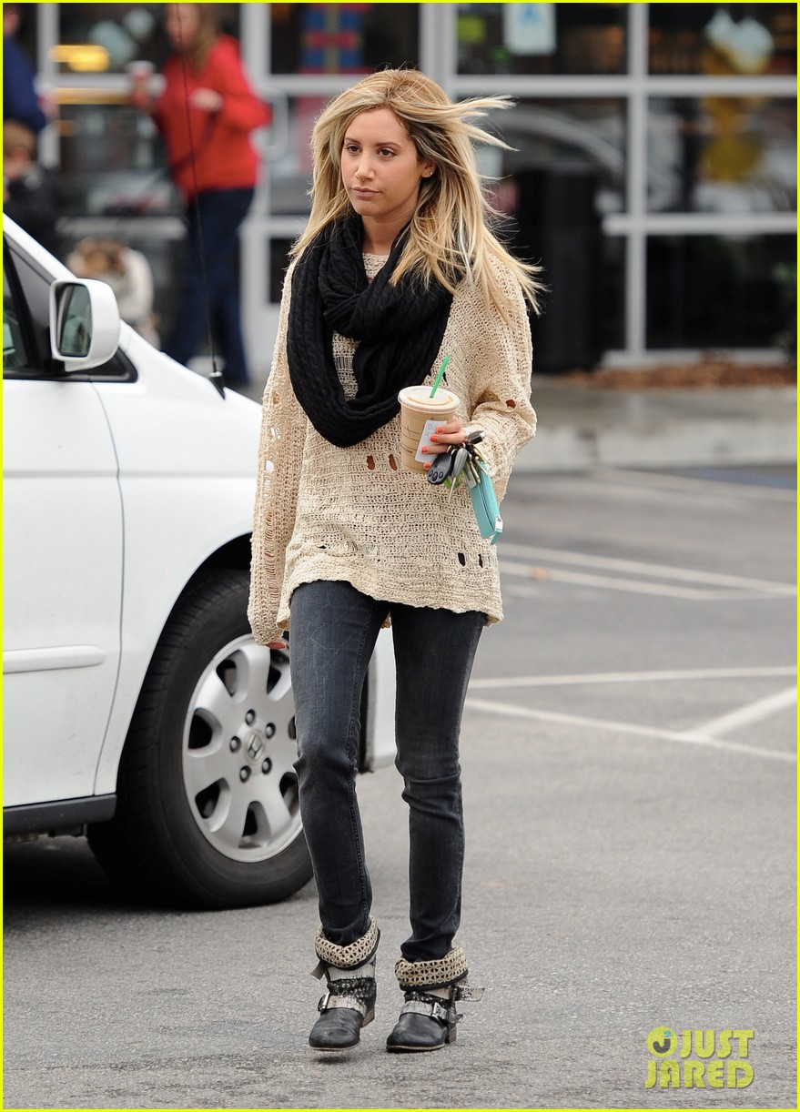ashley tisdale starbucks studio city 15