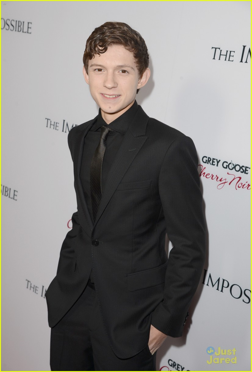 tom holland impossible premiere 09