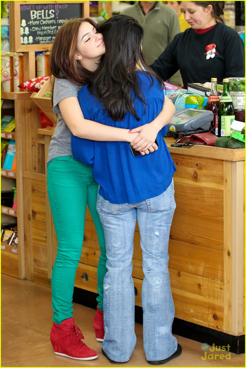 ariel winter hair trader joes 18