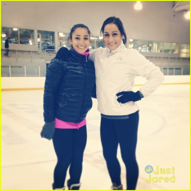 aly raisman jordyn wieber gracie gold skating 03