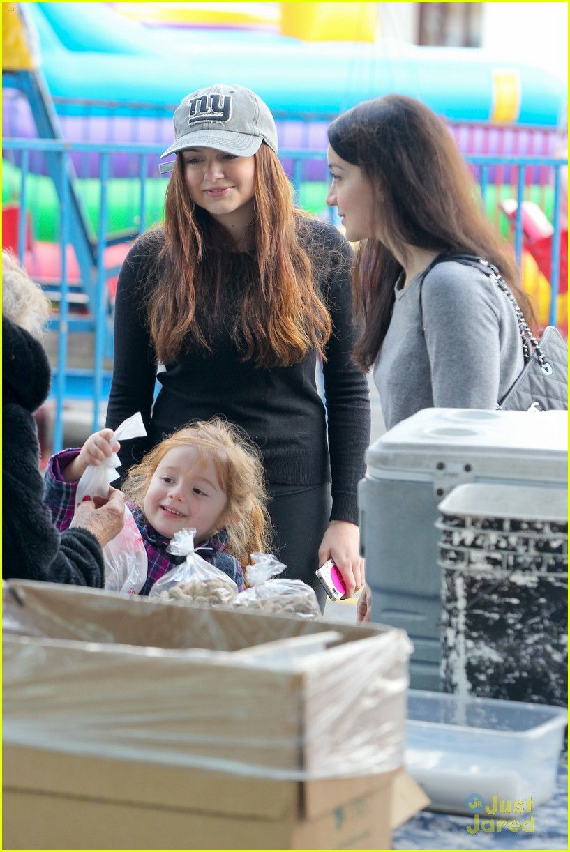 ariel winter slide skylar 17