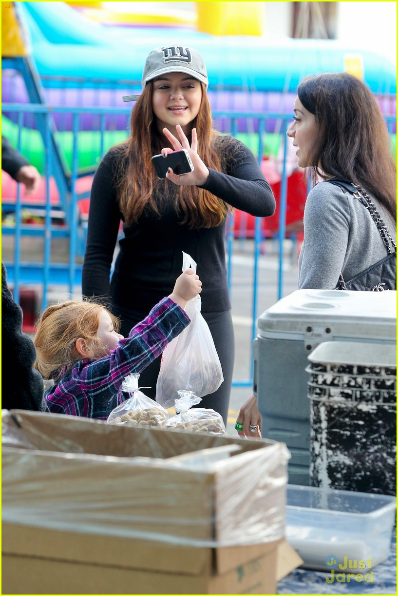 ariel winter slide skylar 22