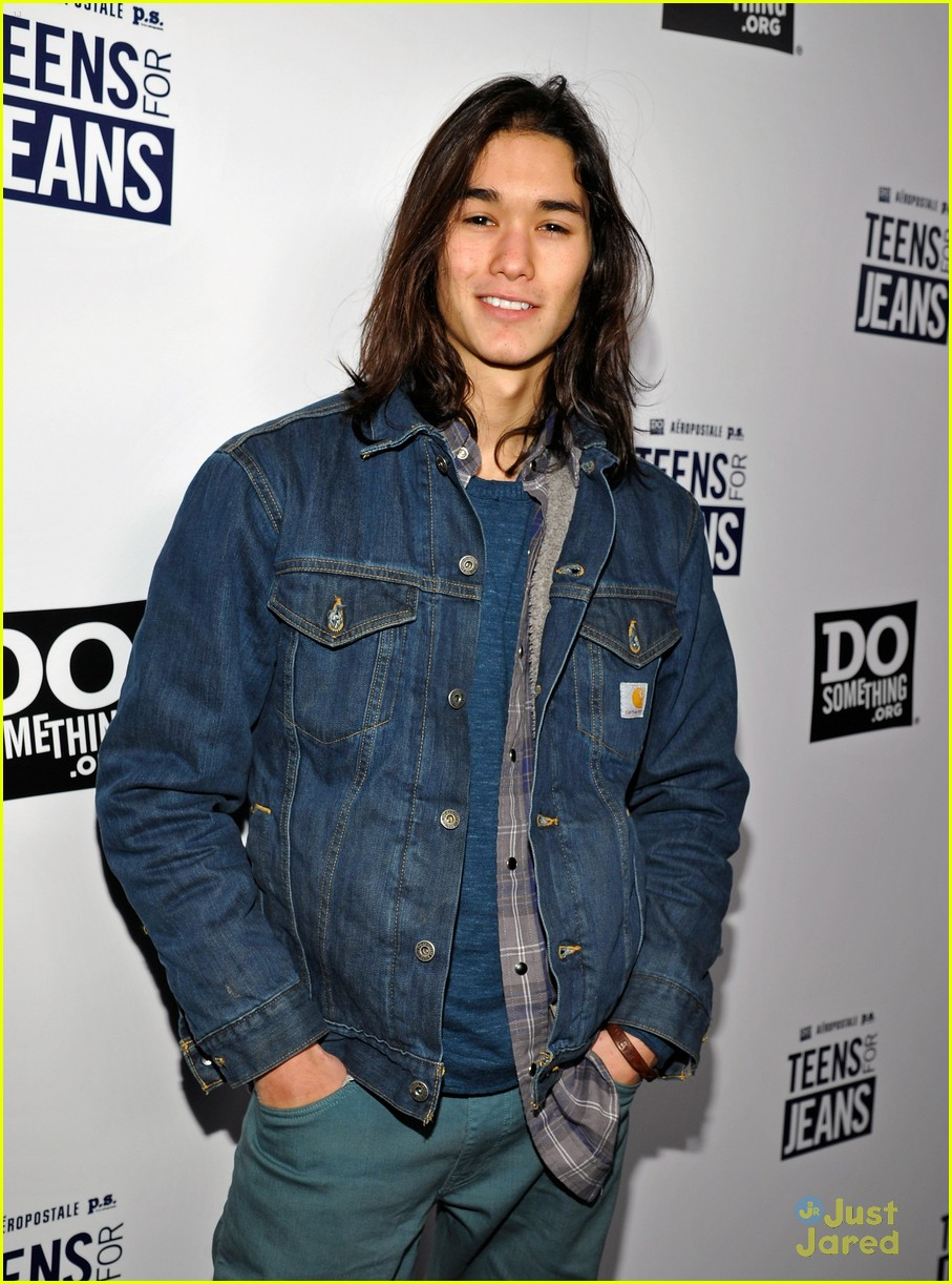 booboo stewart kelli berglund teens jeans 05