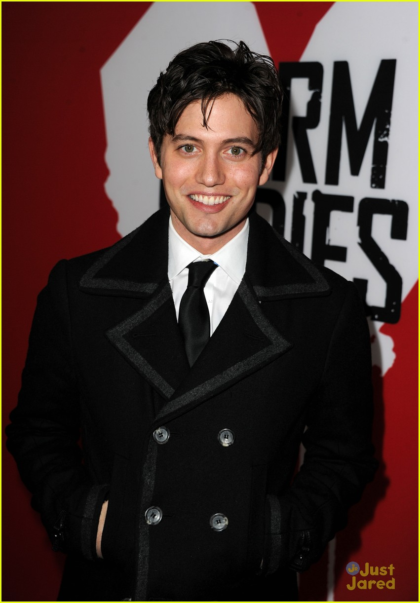 christian serratos jackson rathbone warm bodies 03