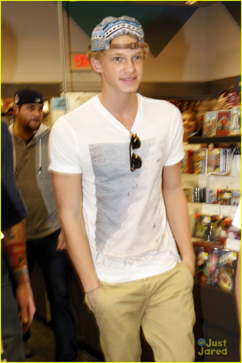 cody simpson in store signing 10