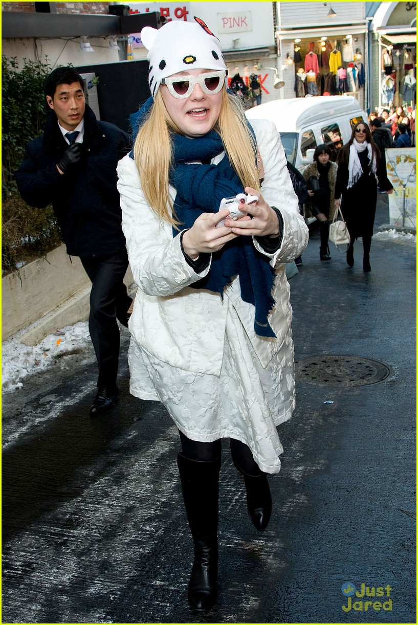 dakota elle fanning south korea 04