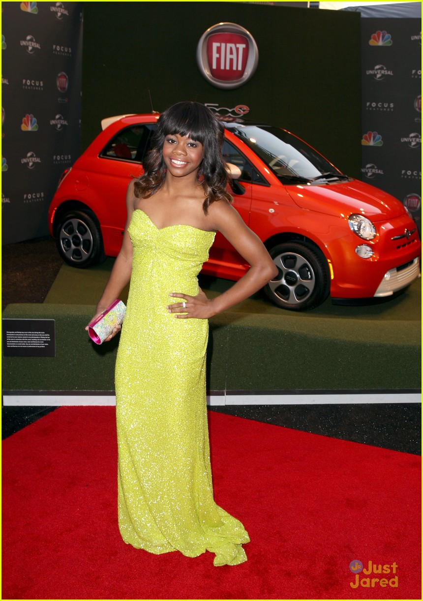 gabby douglas golden globe awards 13