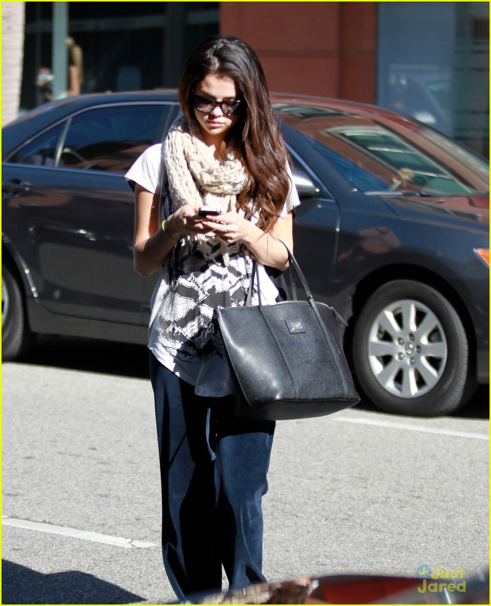 selena gomez bev hills appt 03