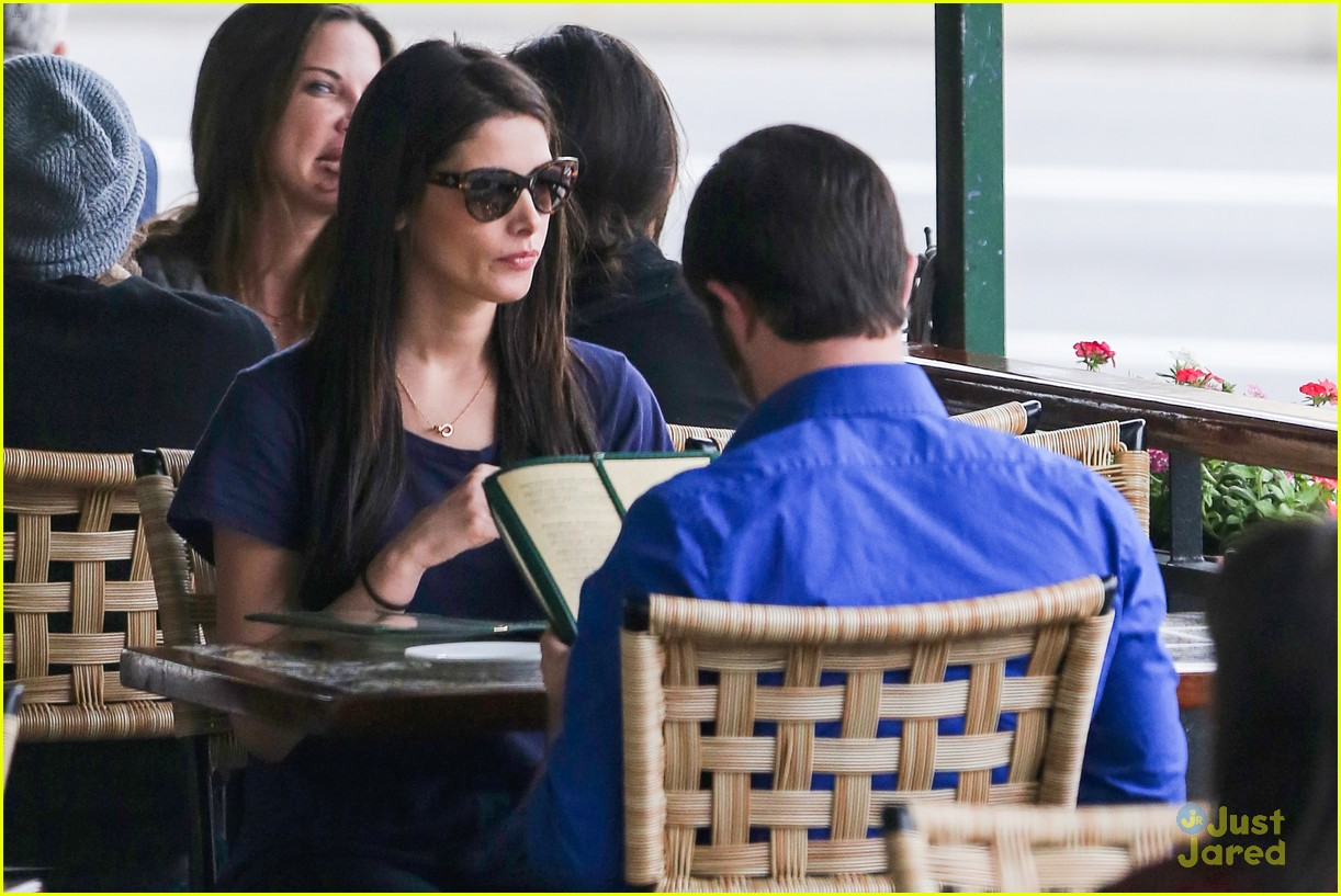 ashley greene lunch cafe med 13