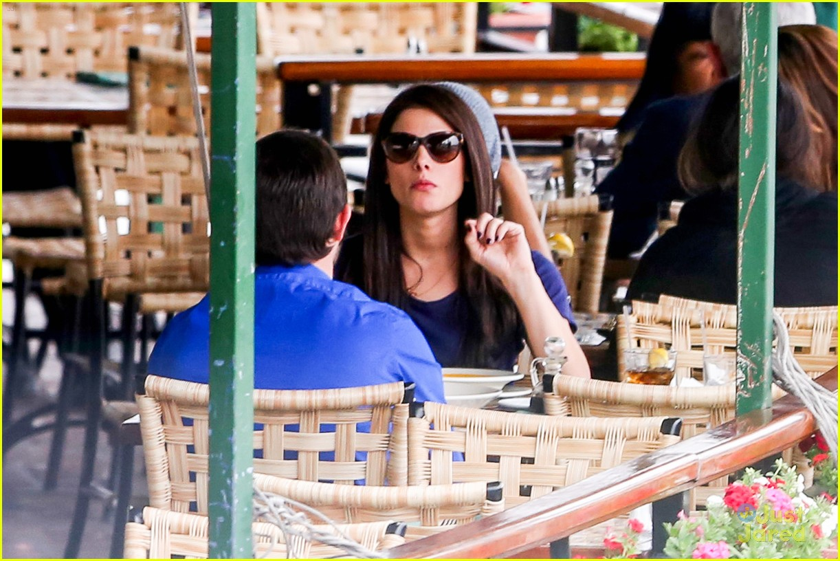 ashley greene lunch cafe med 14