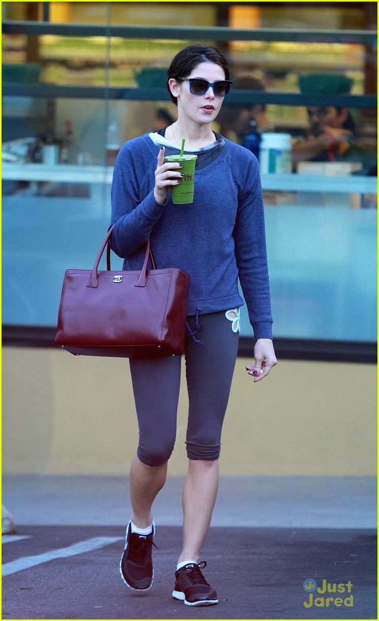 ashley greene smoothie pickup 10