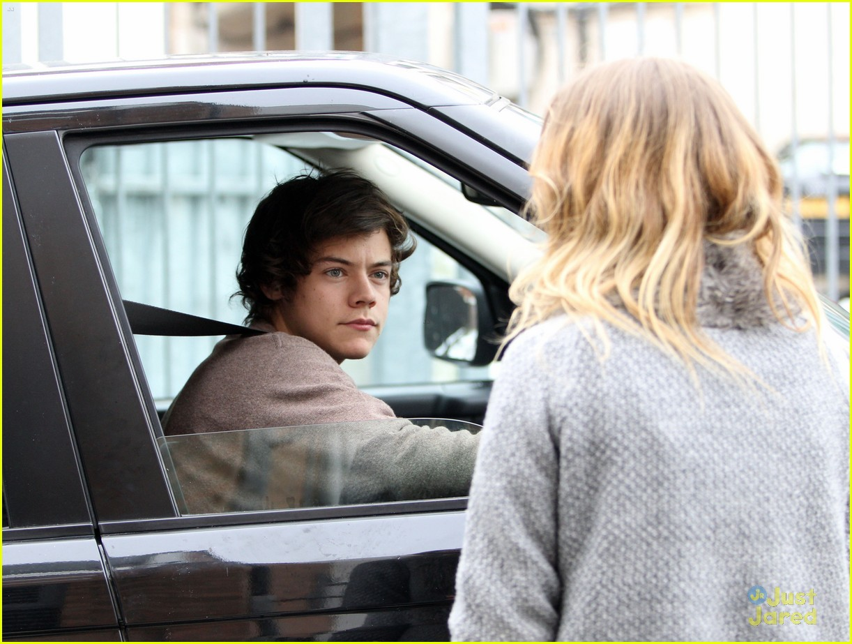 harry styles studio stop london 04