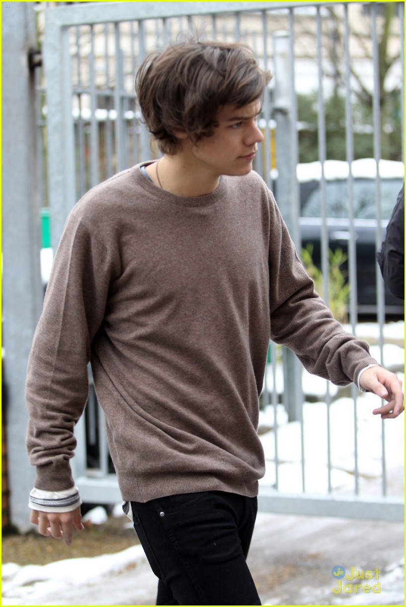 harry styles studio stop london 06