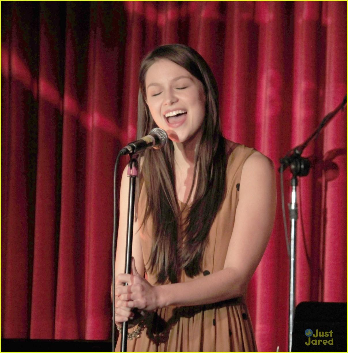 Melissa Benoist singing