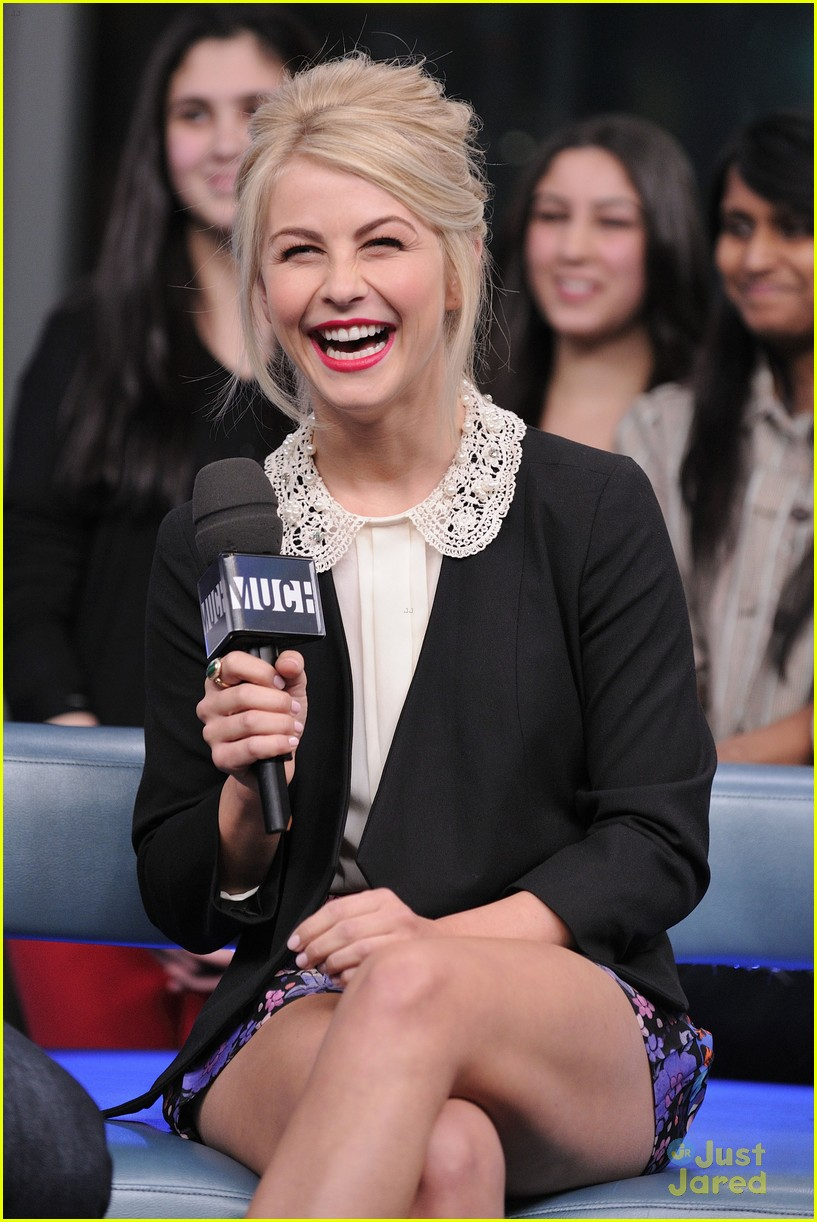 julianne hough nml haven premiere 09