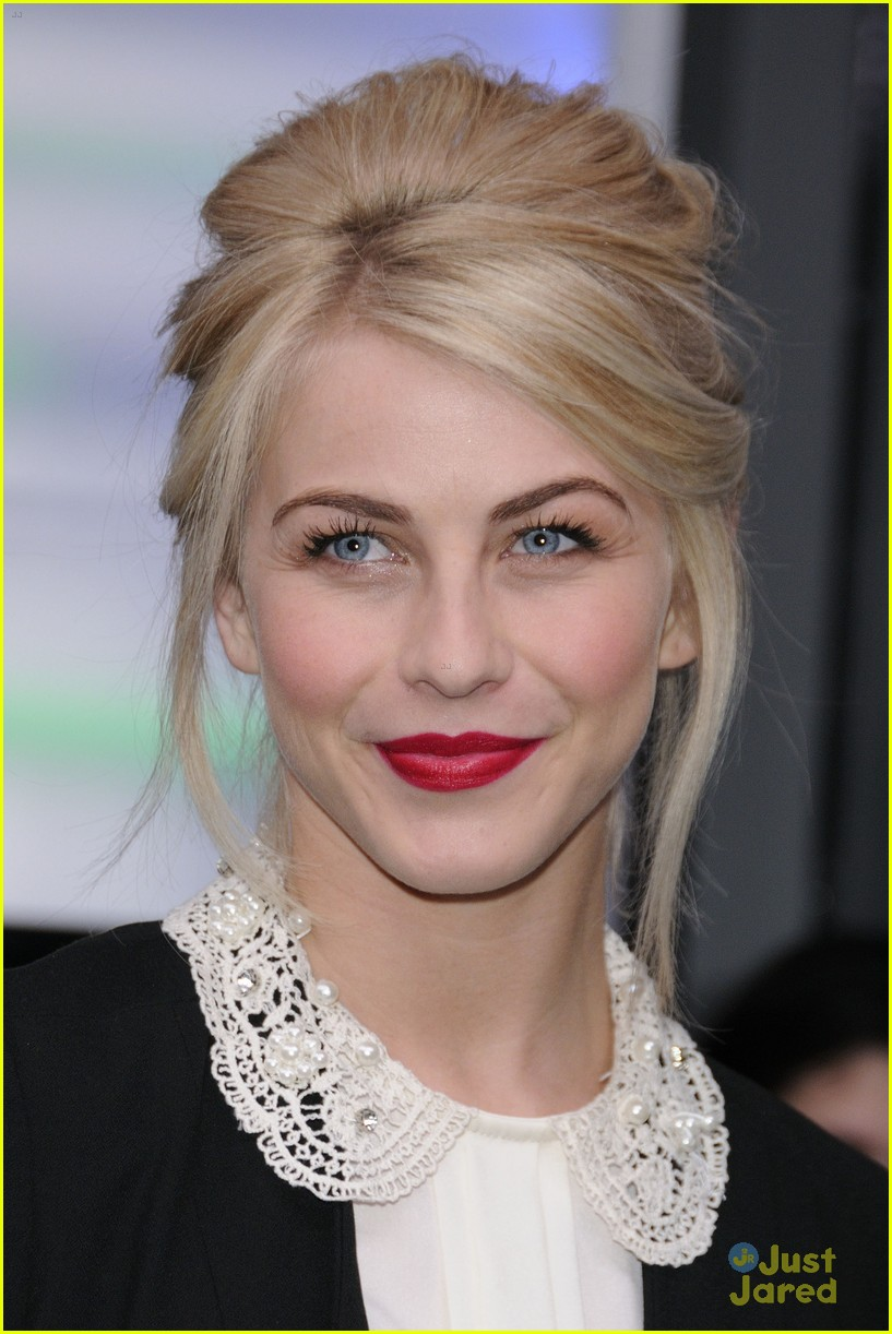 julianne hough nml haven premiere 12