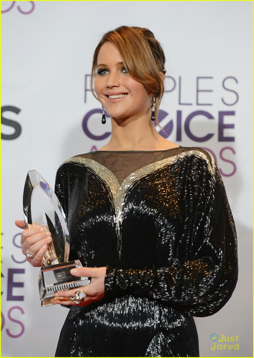 jennifer lawrence pcas 2013 08