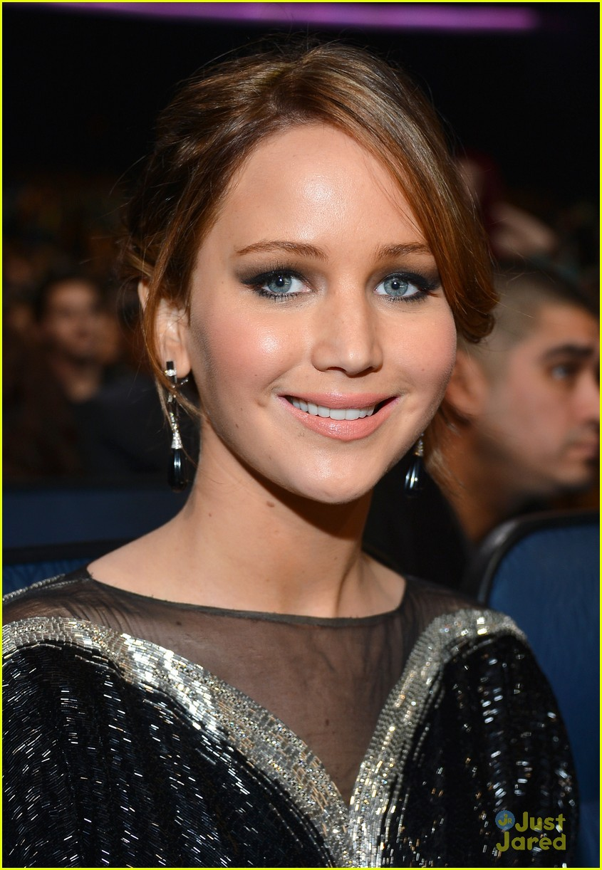 jennifer lawrence pcas 2013 17