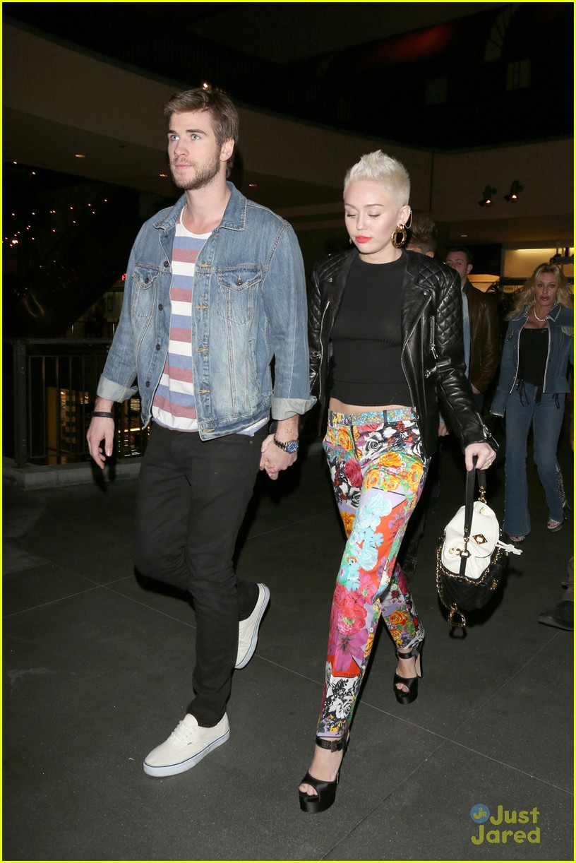 miley cyrus liam hemsworth noah bday 05