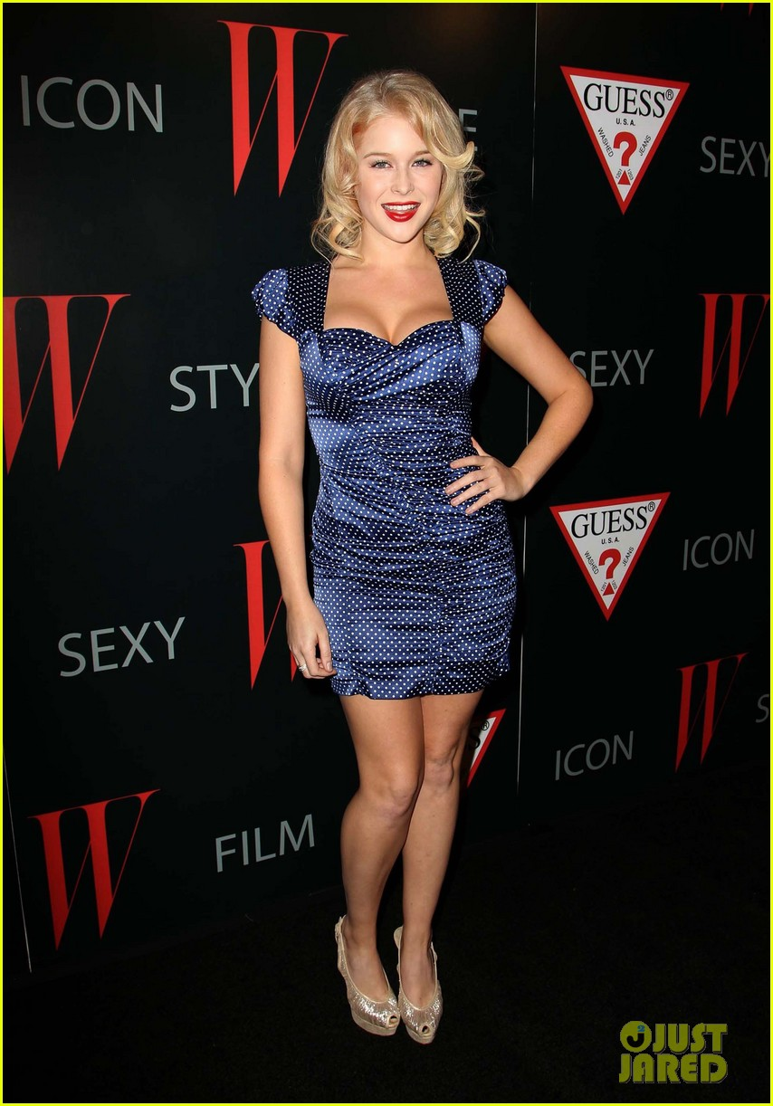 renee olstead christian serratos 30 years of fashion and film red carpet 10