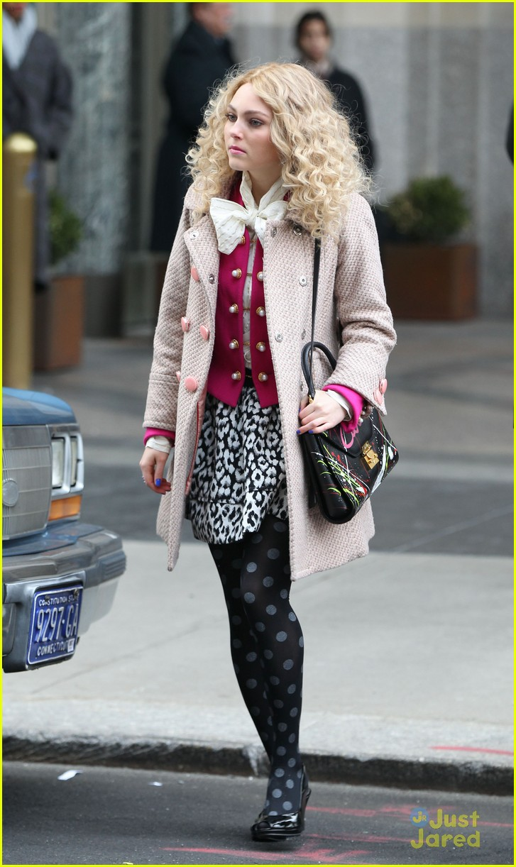 annasophia robb polka dot tights 04
