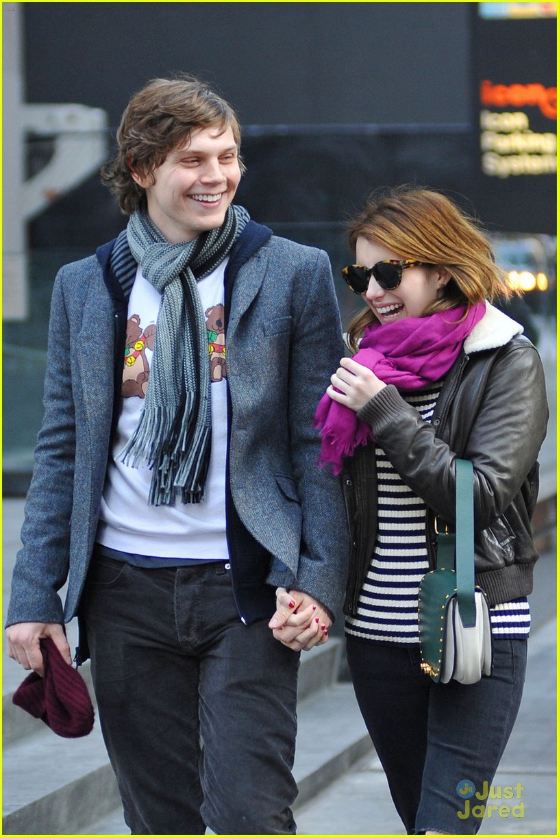 emma roberts evan peters moma visit 07