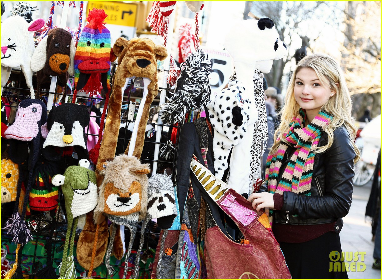 stefanie scott new york 07