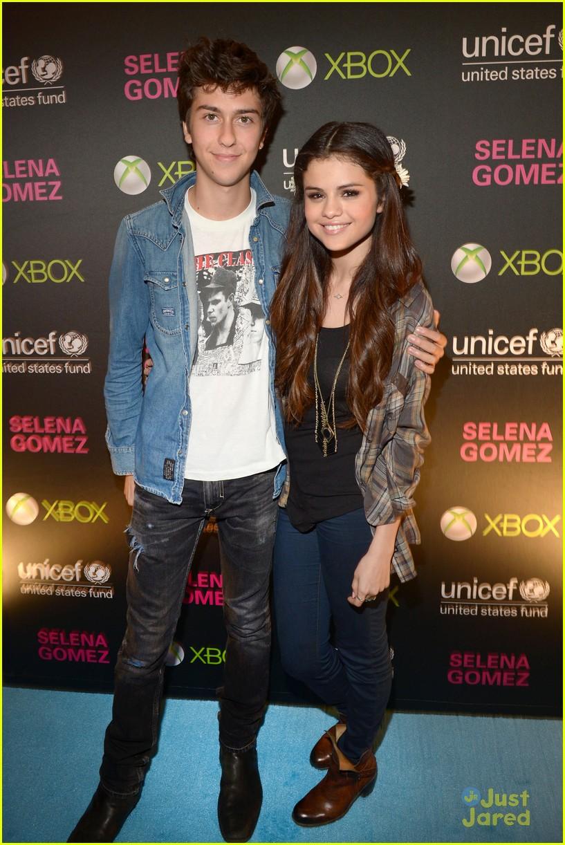 Selena Gomez & Bridgit Mendler: UNICEF Concert Pics ...