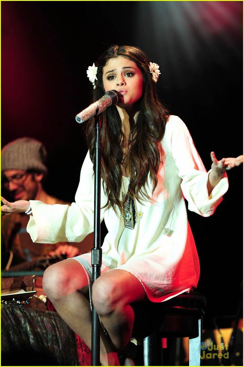selena gomez unicef concert pics 28