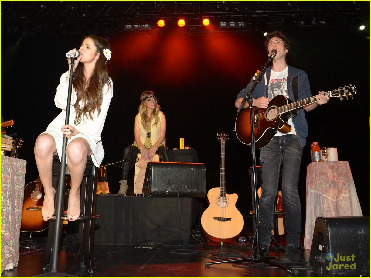 selena gomez unicef concert pics 29