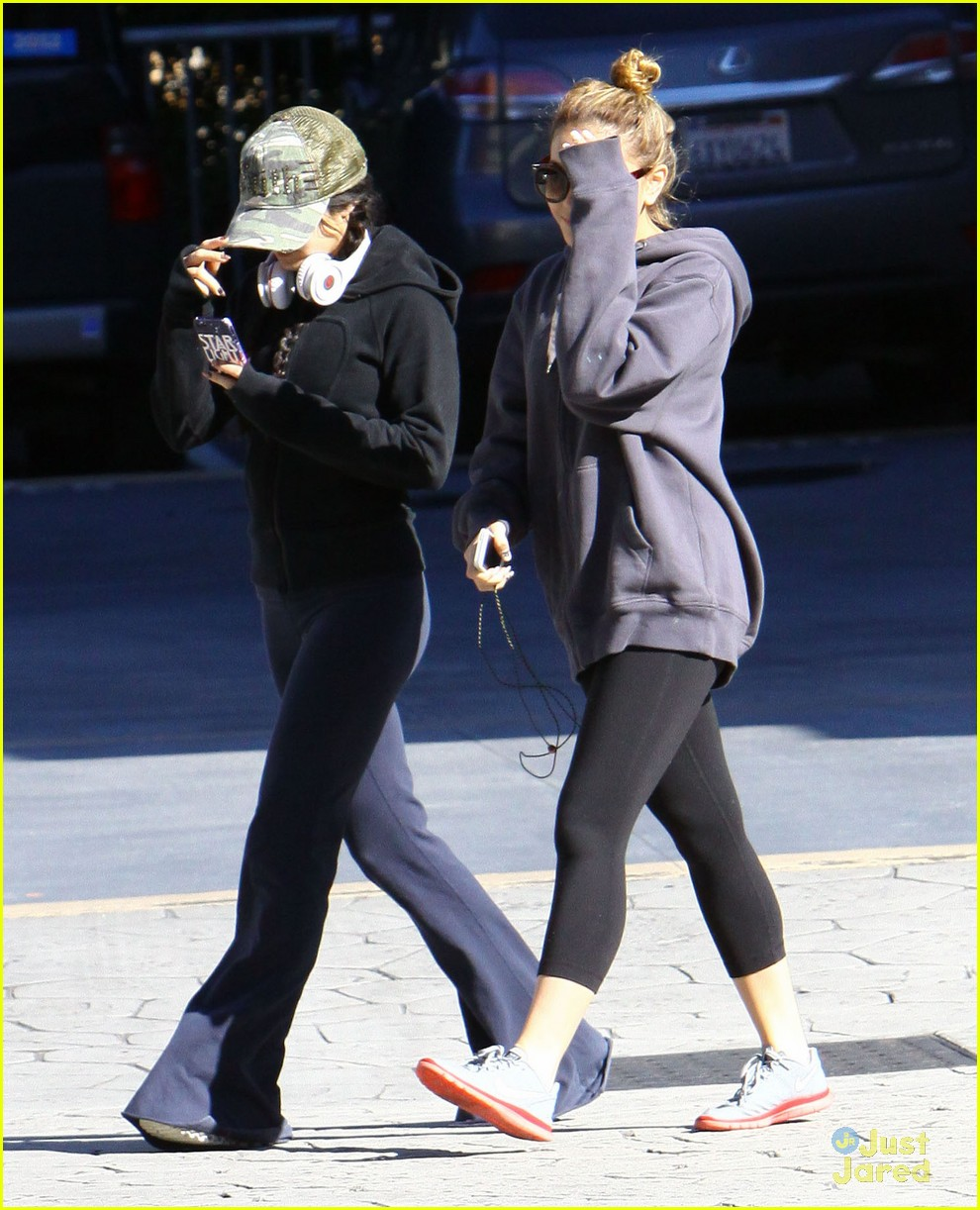 vanessa hudgens austin butler workout leave 02