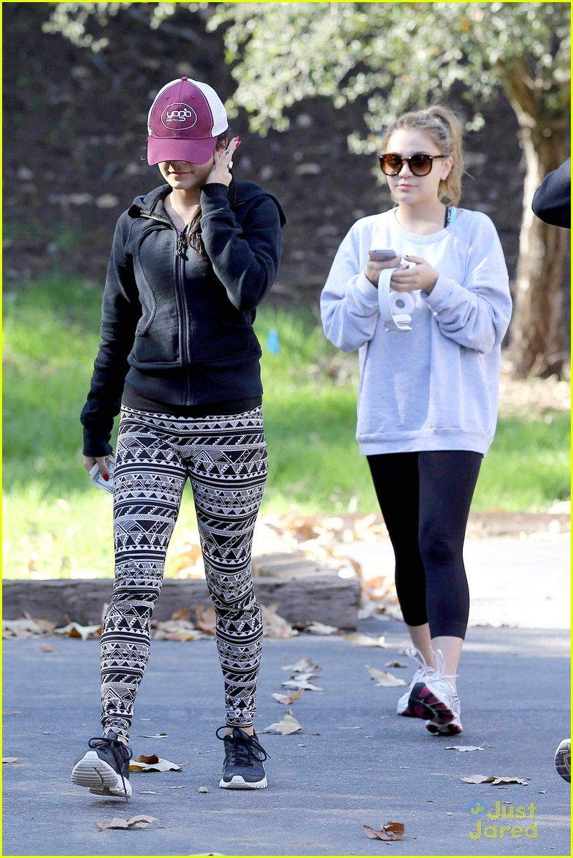 vanessa hudgens hike stella friend 09