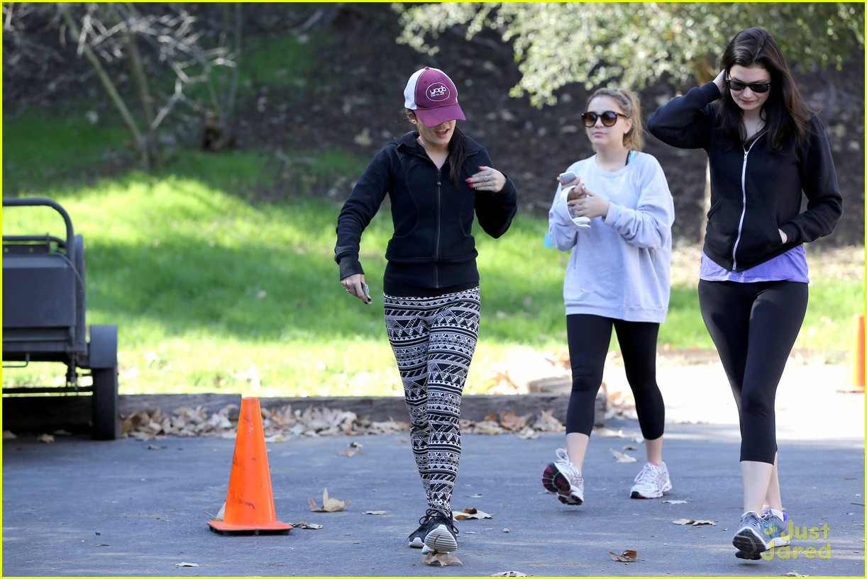 vanessa hudgens hike stella friend 20