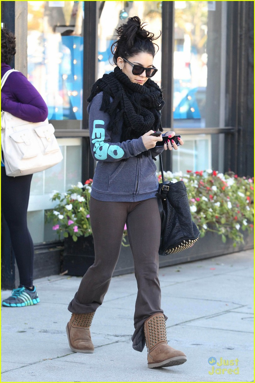 vanessa hudgens pilates class 04