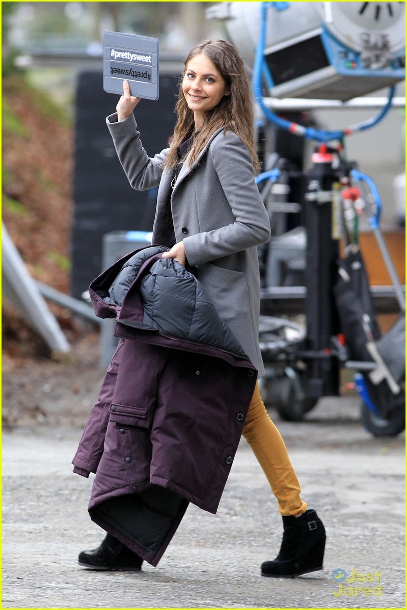 willa holland colton haynes arrow set 06