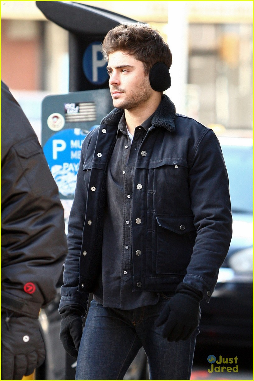 zac efron coffee muffs miles teller 01