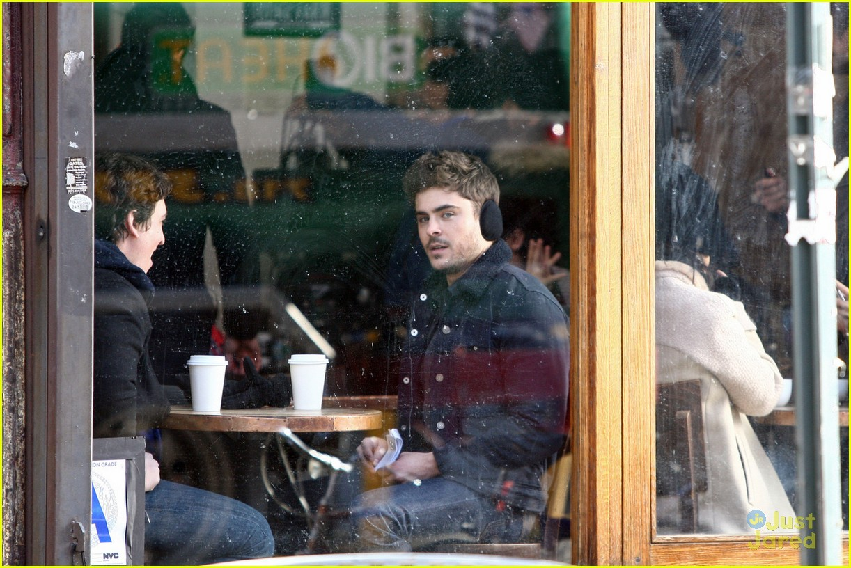 zac efron coffee muffs miles teller 03