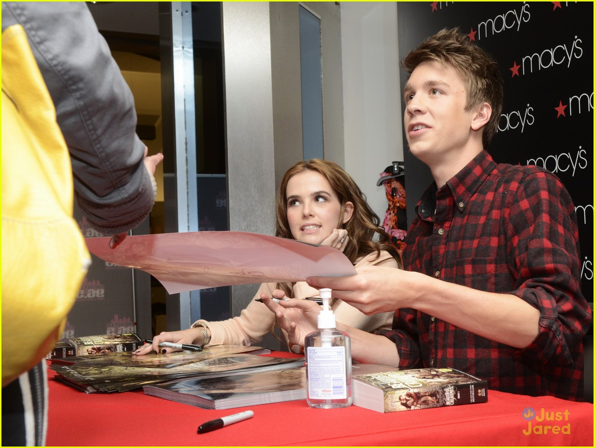 Zoey Deutch & Thomas Mann on Their Meet & Greet New Jersey Stop of the ...
