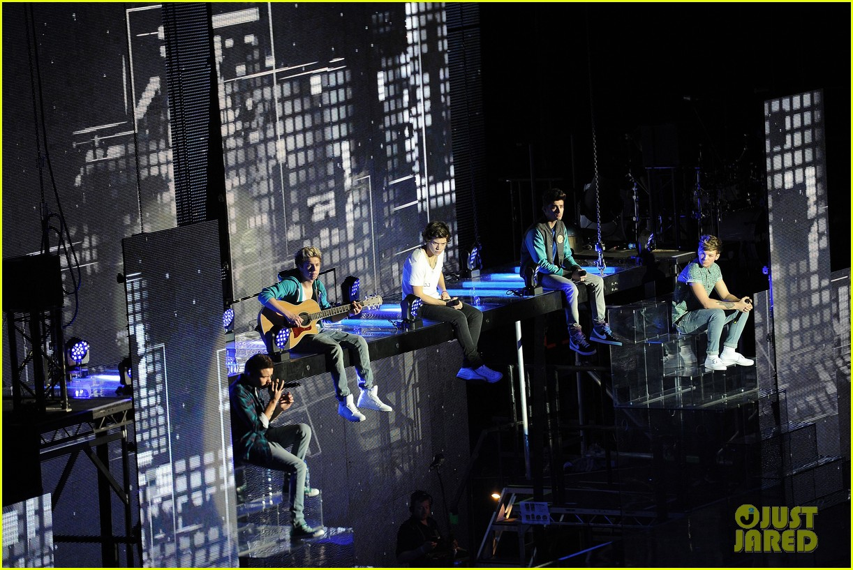 one direction o2 arena performance 47
