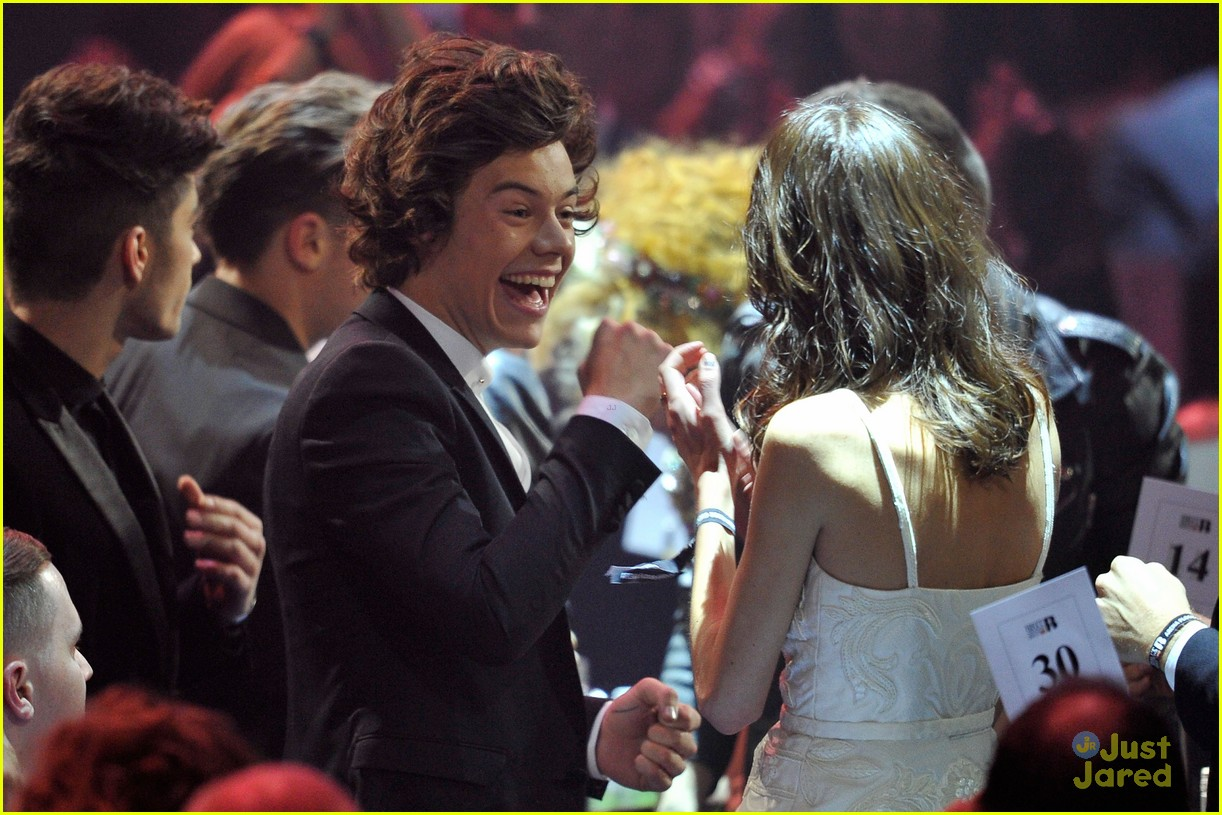 one direction brit awards performance 18