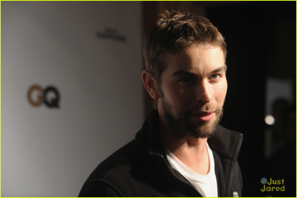 chace crawford super bowl saturday night 05