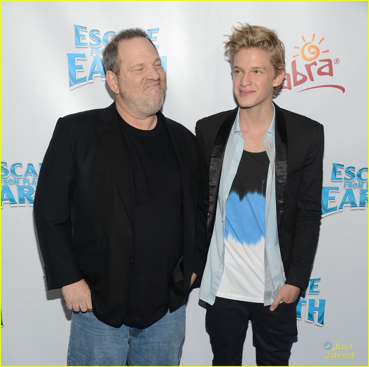 cody simpson escape earth premiere 04