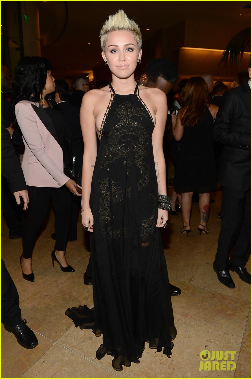miley cyrus pre grammy party 12