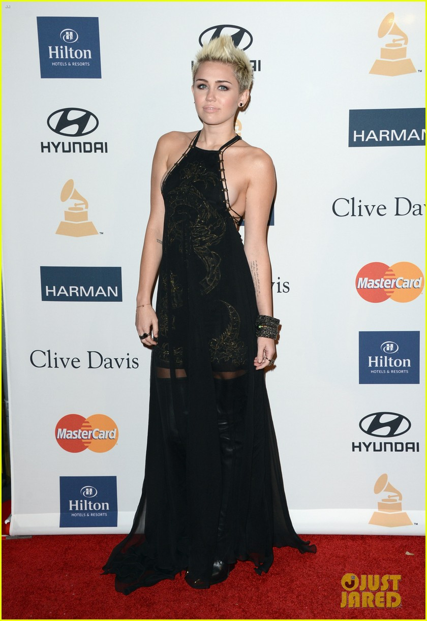 miley cyrus pre grammy party 13