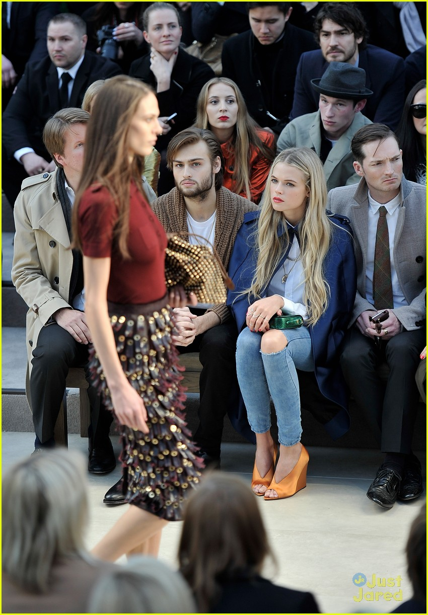 gabriella wilde burberry front row douglas booth 04
