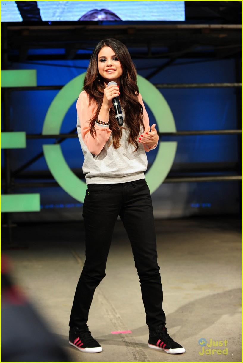 Daydream Stars Selena Gomez Adidas Neo Label Fashion Show