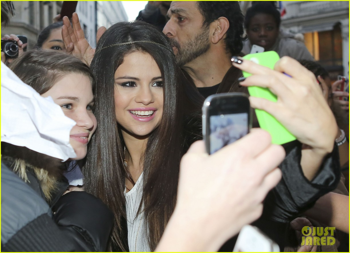 selena gomez pretty in paris 01