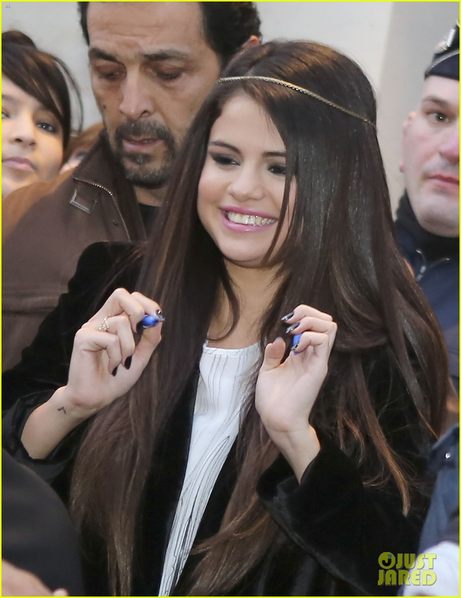 selena gomez pretty in paris 05