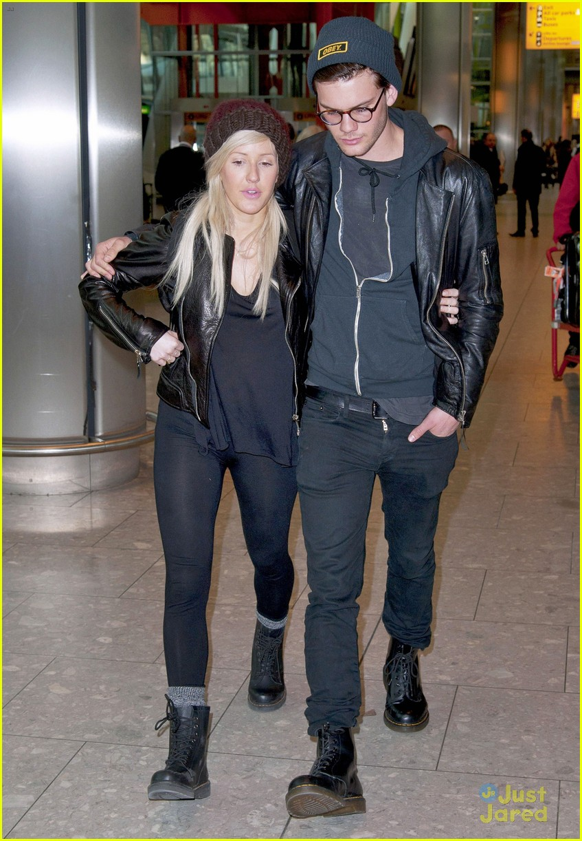 ellie goulding jeremy irvine airport couple 04
