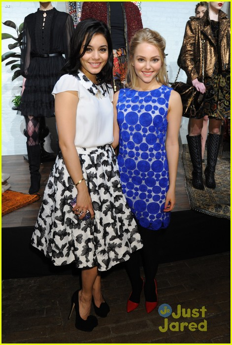 vanessa hudgens alice olivia fashion show 10